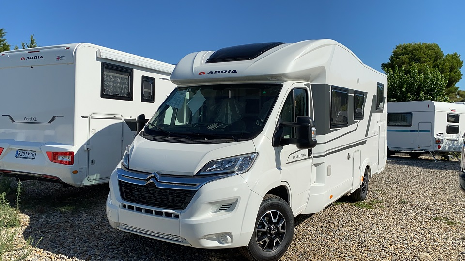 ADRIA MATRIX AXESS 670 SL 2021
